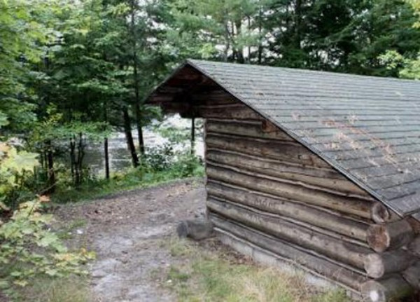 Adirondack Lean-to on Red Dot Trail