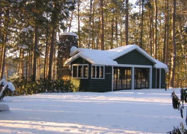 Tennis House in Winter